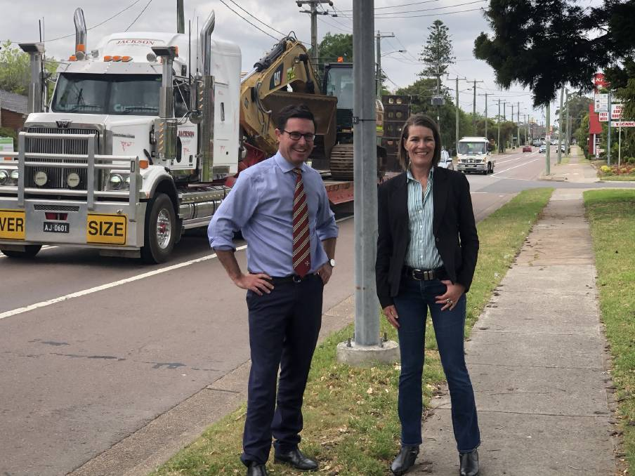Building a platform: Deputy Leader of the federal Nationals, David Littleproud, and Nationals Senator for NSW, Perin Davey, in Singleton on Wednesday. Picture: Matthew Kelly